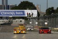 #6 Penske Racing Porsche RS Spyder: Sascha Maassen, Ryan Briscoe, #61 Risi Competizione Ferrari 430