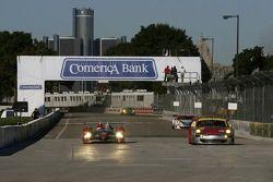 #1 Audi Sport North America Audi R10 TDI Power: Rinaldo Capello, Allan McNish, #45 Flying Lizard Mot