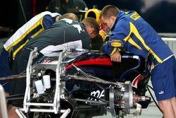 Инженеры Red Bull Racing и Renault
