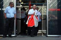 Ron Dennis, McLaren, Team Principal, Chairman walks out of the garage