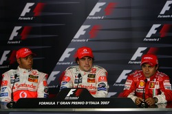 FIA press conference: pole winner Fernando Alonso with Lewis Hamilton and Felipe Massa