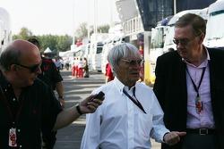 Bernie Ecclestone with journalists