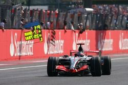 Race winner Fernando Alonso, McLaren Mercedes