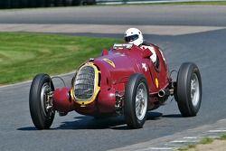 1935 Alfa Romeo 8C-35 - conduite par Peter Greenfield