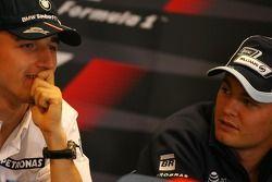 Robert Kubica, BMW Sauber F1 Team, Nico Rosberg, WilliamsF1 Team