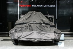 McLaren Mercedes, pack up, end, day