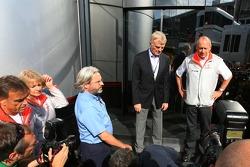 Max Mosley, FIA başkanı, Ron Dennis, McLaren, Takım Patronu, Yönetim Kurulu Başkanı