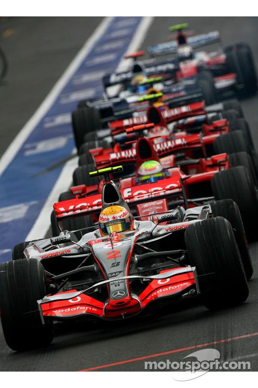 Lewis Hamilton, McLaren Mercedes, MP4-22, Felipe Massa, Scuderia Ferrari, F2007, Kimi Raikkonen, Scuderia Ferrari, F2007