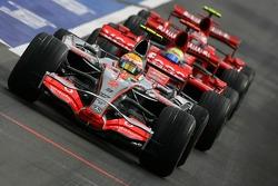 Lewis Hamilton, McLaren Mercedes, MP4-22, Felipe Massa, Scuderia Ferrari, F2007 ve Kimi Raikkonen, S
