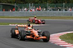 Sakon Yamamoto, Spyker F1 Team, F8-VII-B, Kimi Raikkonen, Scuderia Ferrari, F2007
