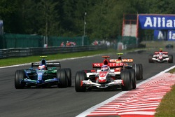 Takuma Sato, Super Aguri F1, SA07, Rubens Barrichello, Honda Racing F1 Team, RA107