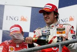 Podio: tercer lugar Fernando Alonso, McLaren Mercedes