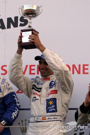Podium: vainqueur de la course Marc Gene