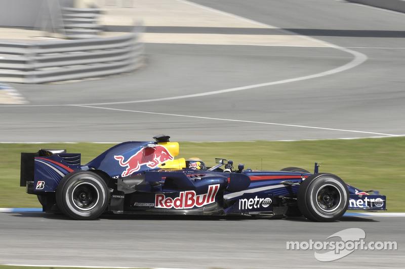 A dupla de pilotos da equipe era Coulthard e Webber