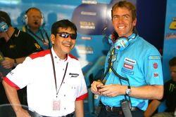 Rizla+ Suzuki pitbox
