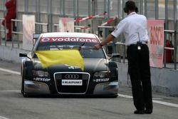 Christian Abt, Audi Sport Team Phoenix, Audi A4 DTM, is called in for technical scruteneering