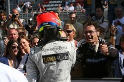Paul di Resta, Persson Motorsport AMG Mercedes, AMG Mercedes C-Klasse, receiving congratulations