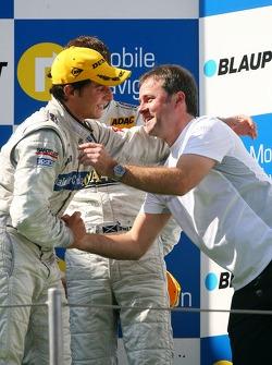 Podium: Gerhard Ungar, Chief Designer AMG, comgratulates Bruno Spengler, Team HWA AMG Mercedes