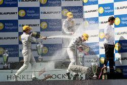 Podium: race winner Jamie Green, Team HWA AMG Mercedes, AMG Mercedes C-Klasse in the middle of the c