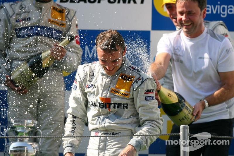 Podium: champagne shower for race winner Jamie Green, Team HWA AMG Mercedes