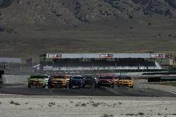 Départ GS: #99 Automatic Racing BMW M3: Tom Long, David Russell et #90 automatique Racing BMW M3: Jon Miller, Serge Glazunov Jr. devant le peloton