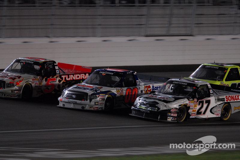 Mike Skinner, Josh Wise et Jacques Villeneuve a trois de front