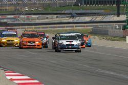 Départ ST: #93 GOTO Racing Subaru Legacy: Brian Lock, Chris Lock devant le peloton
