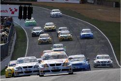 Felix Porteiro, BMW Team Italy-Spain, BMW 320si WTCC and Andy Priaulx, BMW Team UK, BMW 320si WTCC