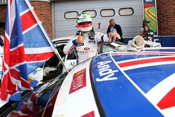 Race winner Andy Priaulx, BMW Team UK, BMW 320si WTCC