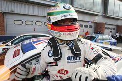 Race winner Andy Priaulx, BMW Team UK, BMW 320si WTCC