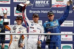 Podium, Felix Porteiro, BMW Team Italy-Spain, BMW 320si WTCC, Andy Priaulx, BMW Team UK, BMW 320si W