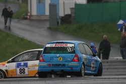 Pace laps: spin for #130 Tolimit Renault Clio Cup: Gavin Dawson, Andrew McFarlane, Scott O'Dannell