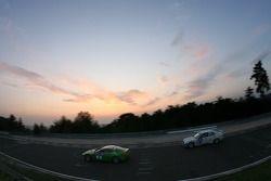 #8 Aston Martin Racing Aston Martin V8 Vantage: Ulrich Bez, Christopher Porritt, Wolfgang Schuhbauer, #182 Bonk Motorsport BMW 318 iS: Colin Roloff, Georg Griesemann