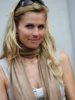 Actress Eve Scheer, girlfriend of Frank Stippler