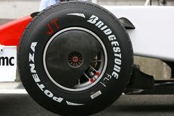 Toyota Racing, TF107, Wheel covers