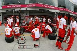Scuderia Ferrari, practice pitstops