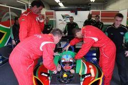 Séance d'extraction avec Adrian Zaugg, pilote A1 Equipe d'Afrique du Sud