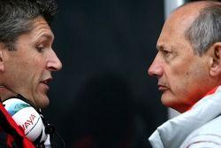 Ron Dennis, Presidente de McLaren y director del equipo Nick Fry, Honda Racing F1 Team, Director Eje