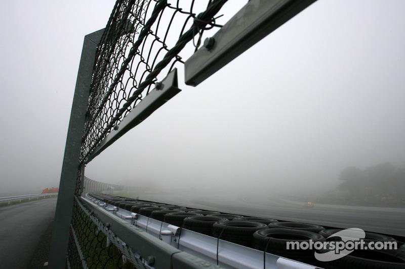 Суббота в Арденнах началась в густом тумане, из-за которого первую из двух утренних тренировок даже отменили…