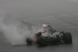Choque de Fernando Alonso, McLaren Mercedes