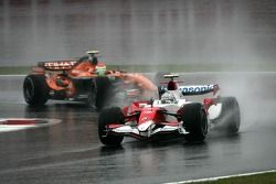 Jarno Trulli, Toyota Racing, Sakon Yamamoto, Spyker F1 Team