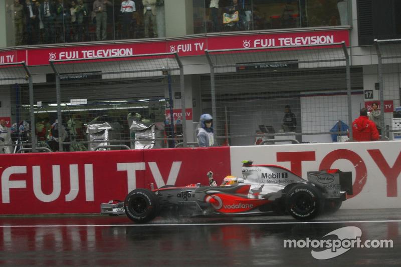2007 - Fuji: Lewis Hamilton, McLaren-Mercedes MP4-22