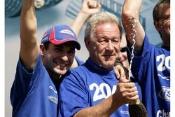 Timo Glock celebrates winning the 2007 GP2 Series Championship with iSport Team Principal Paul Jacks