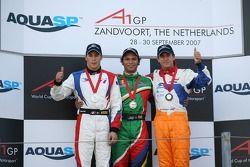 Podium, Course 1, Loic Duval, pilote A1 Equipe de France , Adrian Zaugg, pilote A1 Equipe d'Afrique du Sud et Jeroen Bleekemolen, pilote A1 Equipe des Pays-Bas