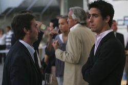 Adrian Campos, Campos Team Principal talks with Lucas di Grassi