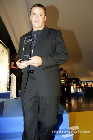 Paulo Coloni FMS International Team Principal with his award