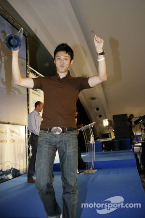 Kazuki Nakajima with Best Rookie of the year award