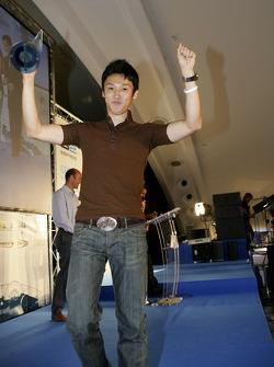 Kazuki Nakajima with Best Rookie of the year award