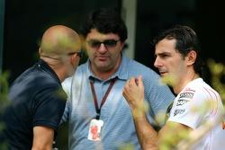 Pedro de la Rosa, Test Pilotu, McLaren Mercedes ve Luis Garcia Abad, Manager, Fernando Alonso