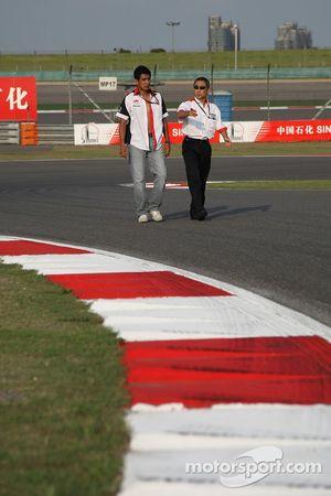 Aguri Suzuki, Super Aguri F1 avec Hiroshi Yasukawa, Bridgestone